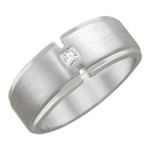 Мужское кольцо из белого золота бриллиант