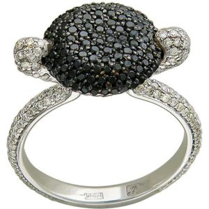 Ажурное кольцо с 479 бриллиантами из белого золота 750 пробы (арт. ж-8632к)