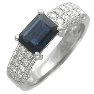 Необычное кольцо с 48 бриллиантами, 1 сапфиром из белого золота 750 пробы (арт.ж-8621к)