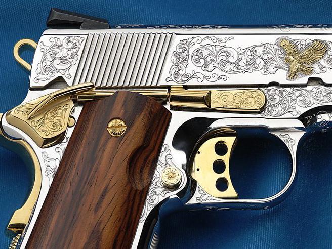 Заказать гравировку на оружии